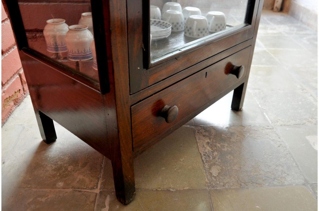 Bottom drawer